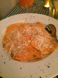 Pumpkin cream ravioli (NIS 62)
